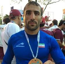 کشتی گیر زنجانی  مدال برنز مسابقات ارتش های جهان را به دست آورد
