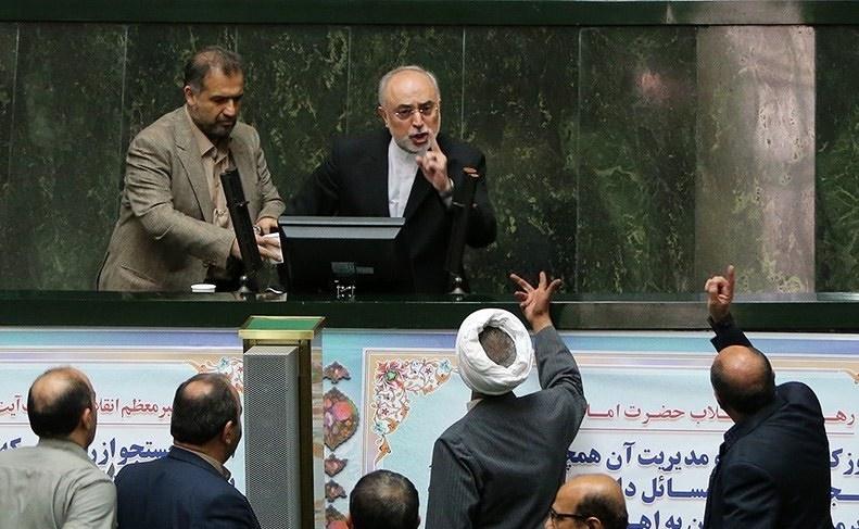 درخواست کاربران خبرآنلاین از قوه قضاییه: تهدید صالحی در مجلس را مورد پیگرد قانونی قرار دهید