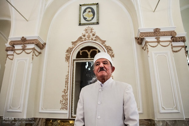 رئیس انجمن زرتشتیان ایران: دین را باید از مذهب جدا کنیم تا بشناسیم/پیامبران با هم هیچ اختلافی ندارند