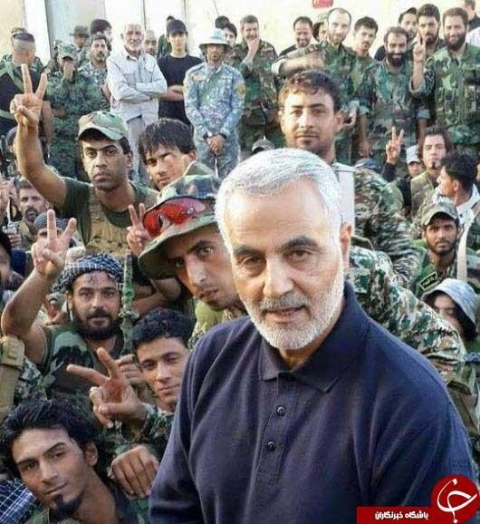 مجاهدان سوری با سردار سلیمانی/ عکس