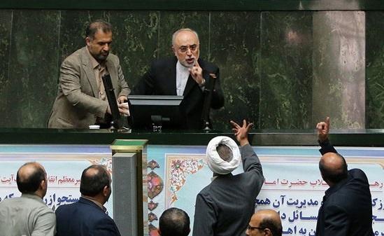 فرجام برجام/متن و حاشیه قانون اجرای برجام؛ از تهدید صالحی از سوی حسینیان تا تکذیبیه دفتر رهبری