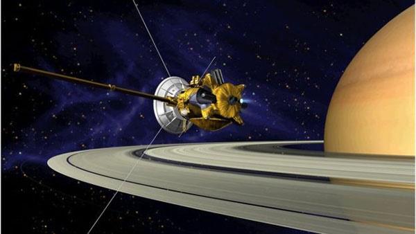 همه چیز درباره شیرجه عمیق امروز فضاپیمای کاسینی/اقیانوس زیر سطح قمر زحل قابلیت حیات دارد؟