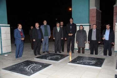 ادای احترام استاندار قزوین به شهدای گمنام بوستان باراجین