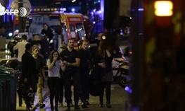 ۱۰۰ نفر در سالن کنسرت پاریس کشته شدند/اعلام رسمی کشته شدن حداقل ۱۴۰ نفر در حملات