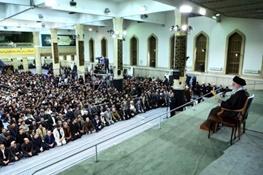 آیتالله خامنهای رهبر معظم انقلاب, دانشآموز, 13 آبان