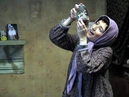 تصویری از نگار جوهران در جمع داوران یک جشنوارهی آسیایی