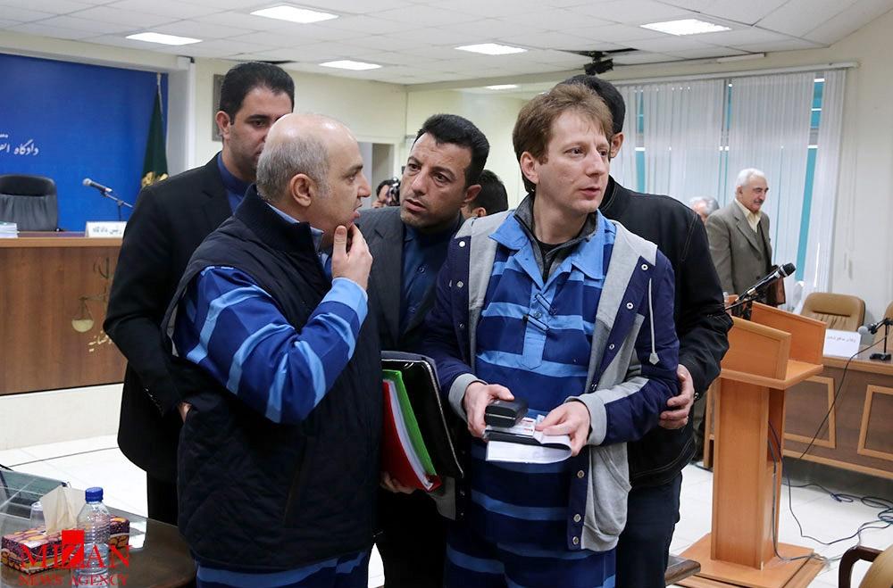 تذکرات قاضی صلواتی به وکیل متهم ردیف سوم برای توهین نکردن به بازپرس در جلسه ۲۴ دادگاه بابک زنجانی