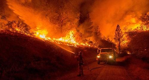 خشم طبیعت در سال 2015/تصاویر مهمترین حوادث طبیعی سال