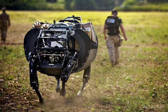 روبات بیگ داگ مرد