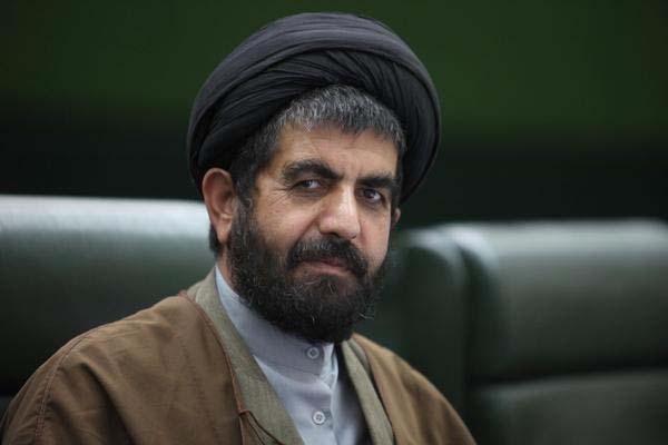 موسوی لارگانی: مجلس و دولت سیاسی کاری را کنار بگذارند