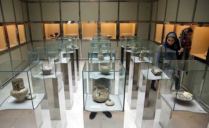 خبرآنلاین - موزه تخصصی شیشه و سفال را ببینید - صاحبخبر
