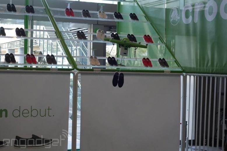 صحنههای باورنکردنی از اداره فروشگاه کفش کراکس توکیو با پهپاد