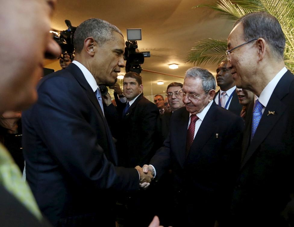 دست تاریخی باراک و رائول، سوژه رسانهها شد