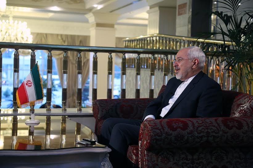 """ظریف :زمان آن رسیده به ریشه های اصلی بی اعتمادی """"منطقه وسیع تر خلیج فارس"""" بپردازیم"""