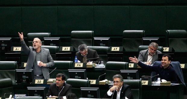 مجلس با اصلاح فوری قانون انتخابات موافقت کرد