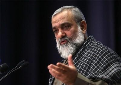 حمله شدید سردار نقدی به کسانی که سخنان امام را تفسیر می کنند وبرای تفریح دائما به کیش می روند