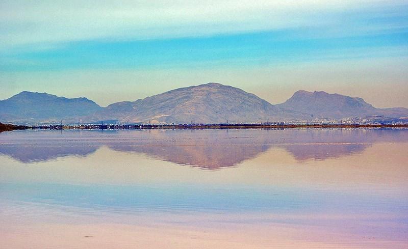 دریاچه نمک مهارلو