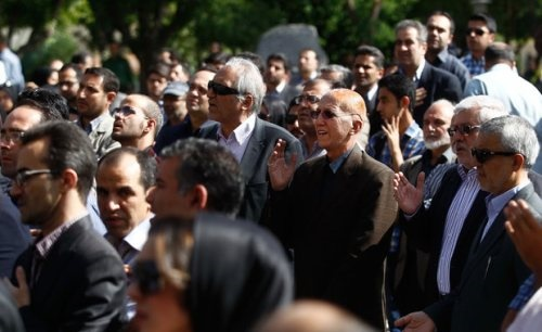 حضور محمدعلی ابطحی در مراسم تشییع پیکر مرحوم مهران دوستی