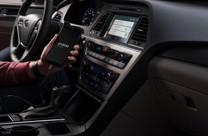 تصاویری از نسل هفتم هیوندای 2015، اولین خودروی مجهز به اندروید