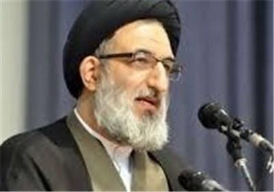 انتقاد امام جمعه کرج از خلاصه کردن خطبه هایش در پخش تلویزیونی