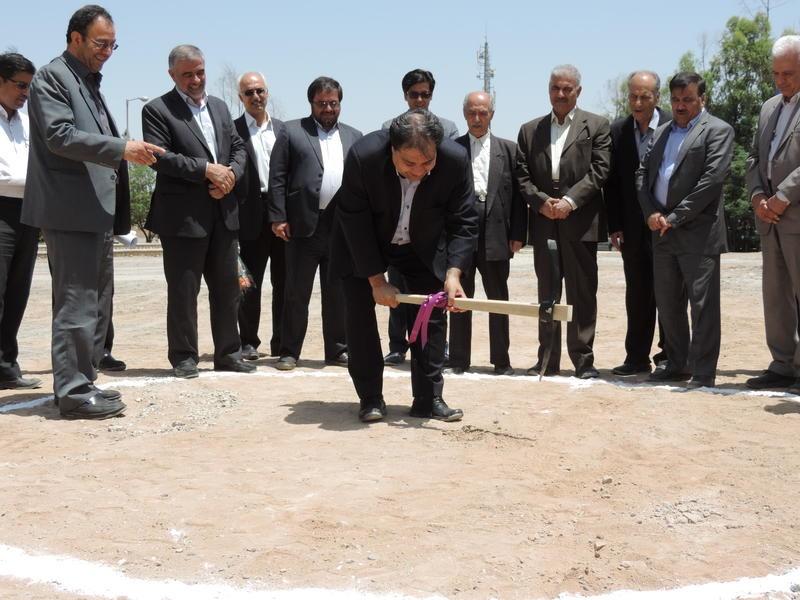 بازدید معاون وزیر بهداشت از بیمارستان شهید صدوقی یزد و کلنگ زنی یک پروژه
