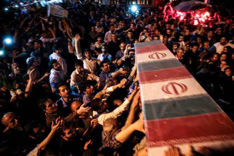 واکنش روابط عمومی مجلس شورای اسلامی به رفتار افراطیون در تشییع پیکر شهدا