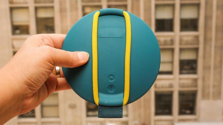 این اسپیکر بی سیم و زیبا، شناور روی آب، موسیقی با کیفیت پخش میکند / قیمت فقط 99 دلار