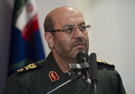 وزیر دفاع: شهید چمران مظهر ایستادگی ملتی است که زیر بار زور نمی رود