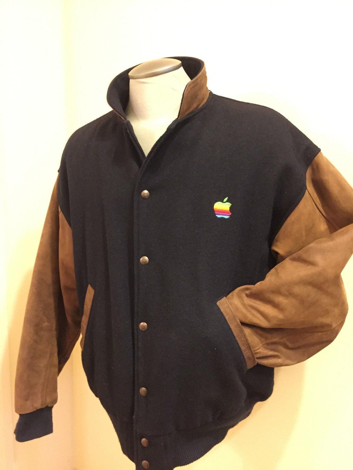 تصاویری از لباسهای تبلیغاتی شرکتهای فناورانه اپل، مایکروسافت و... در دهه 70 و 80