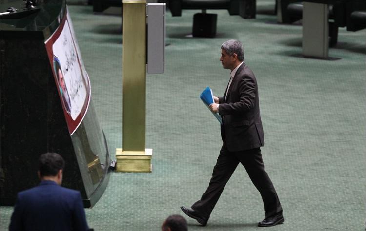 گزارش تصویری از موضوعی که وزیر اقتصاد را به مجلس کشاند