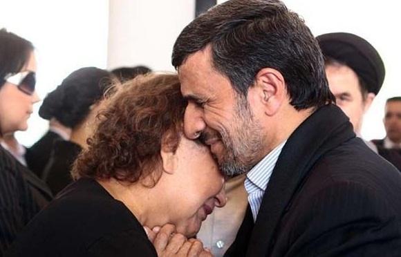 طنز/ مادر چاوز به احمدی نژاد نامه نوشت
