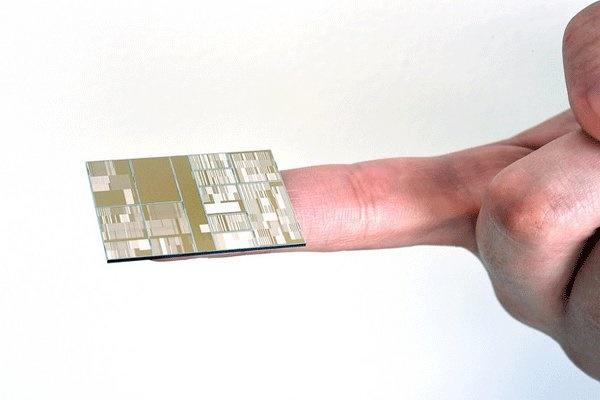 رونمایی از اولین تراشه ۷ نانومتری جهان / عکس