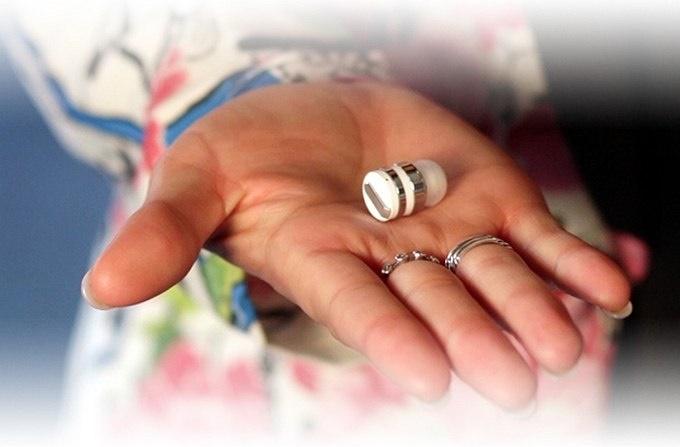 کوچکترین هدست بلوتوث جهان / عکس