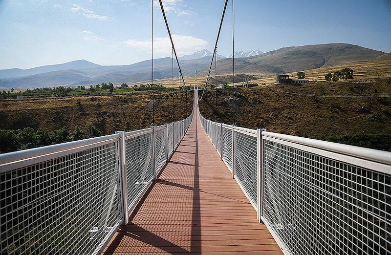 تصاویری از بزرگترین پل معلق خاورمیانه را ببینید