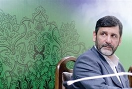 پرتاب کفش، کیف و سنگ به وزیر احمدی نژاد !!