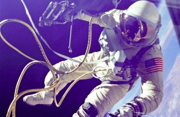 تصاویر تاریخی در پنجاهمین سالگرد پیادهروی فضایی بشر