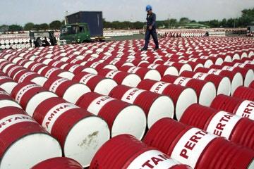 نفس اقتصاد به شماره افتاد/کاهش قیمت نفت کمتر از پیش بینی بودجه 94