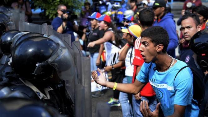 در ونزوئلا چه خبر است؟ بحران اقتصادی و بی ثباتی داخلی میراث چاوز و مادورو یا توطئه آمریکا؟