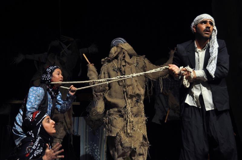 تئاتر ایلام خسته ی مشکلات، از کمبود فضاهای هنری تا مشکلات آموزشی