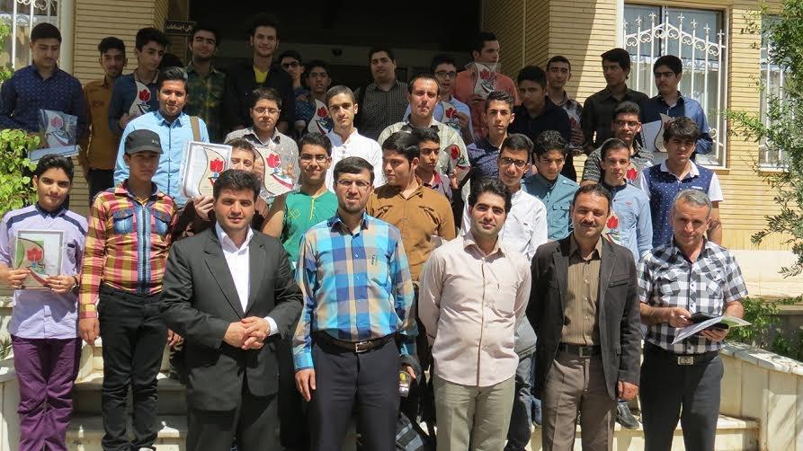 مراسم تجلیل از دانش آموزان سمنانی دارنده رتبه اول مسابقات فرهنگی و هنری استان سمنان برگزار شد