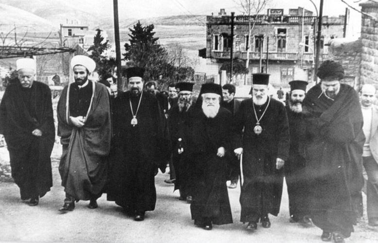 آیا امام موسی صدر شیعیان را برتر از اهل تسنن و مسیحیان می داند؟