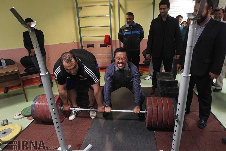 وزنهبرداری، تیراندازی و دوچرخهسواری وزیر ورزش اندونزی در بازدید از مجموعه آزادی