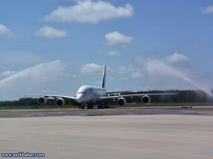 هواپیمای A-380 در یک خط اماراتی