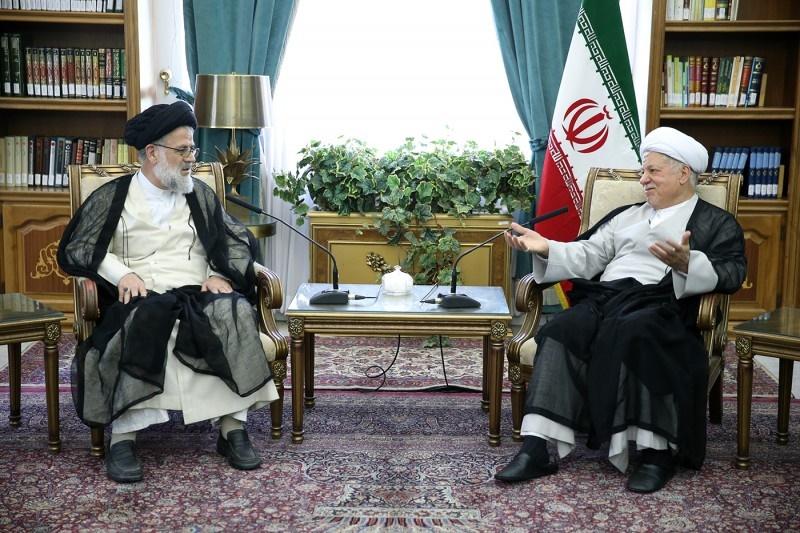 هاشمی رفسنجانی:یکی از خطرناکترین حربه های دوستان نادان،پایین آوردن جایگاه رهبری است