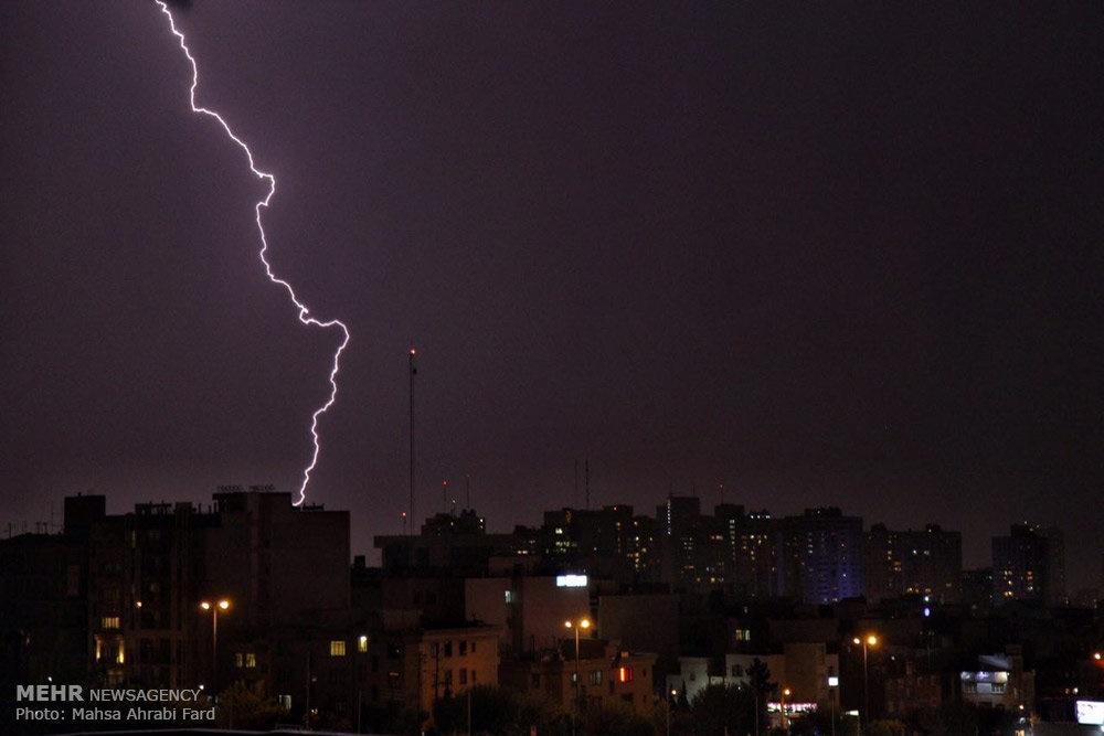 مدیرکل امور خدمات شهری شهرداری تهران: با بحران روبرو نبودیم!/بارندگی همه را غافلگیر کرد