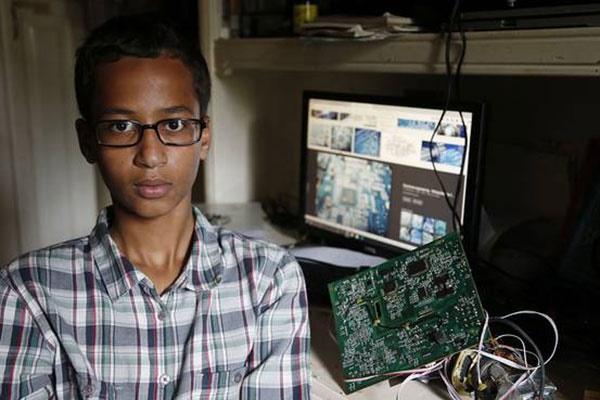 نوجوان آمریکایی چه ساعتی ساخت که به کاخ سفید دعوت شد؟/سونسگمنت جنجالی