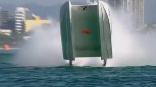 سانحه ای در مسابقات قهرمانی قایق های تندرو جهان