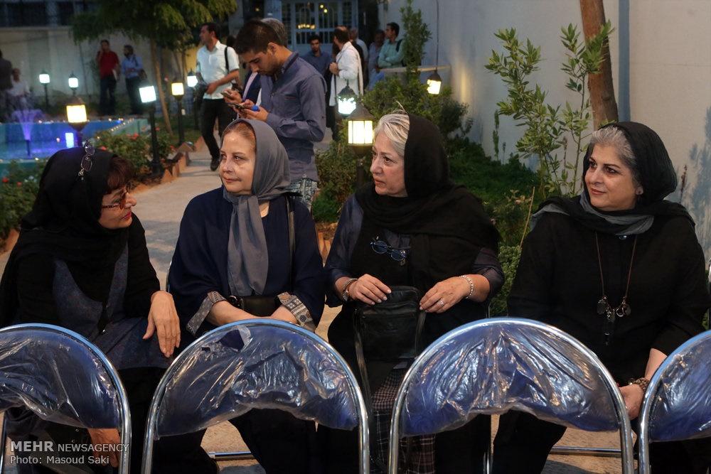رخشان بنیاعتماد، رضا کیانیان، لاله اسکندری و ... در تجمع اعتراضی سینماگران به فاجعه منا