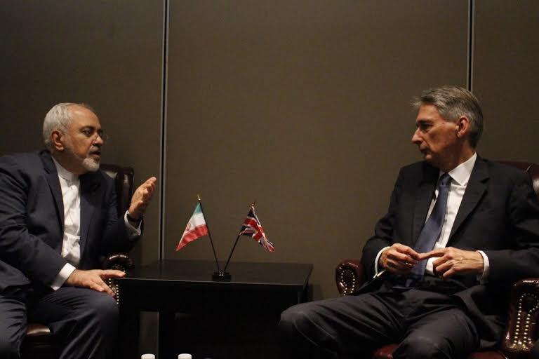 ظریف درباره حادثه منا با همتای انگلیسی اش دیدار و گفتگو کرد