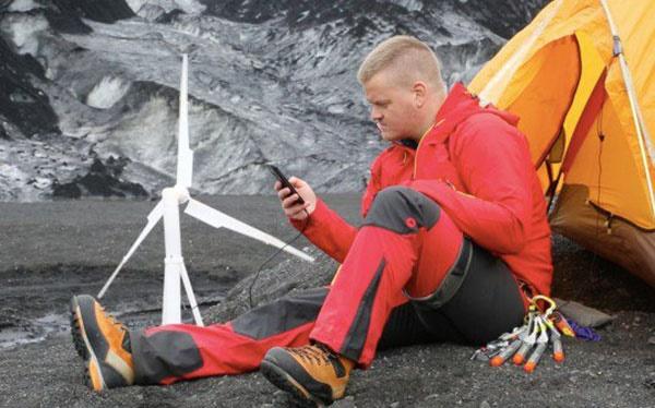شارژ گوشی موبایل با توربین بادی قابل حمل